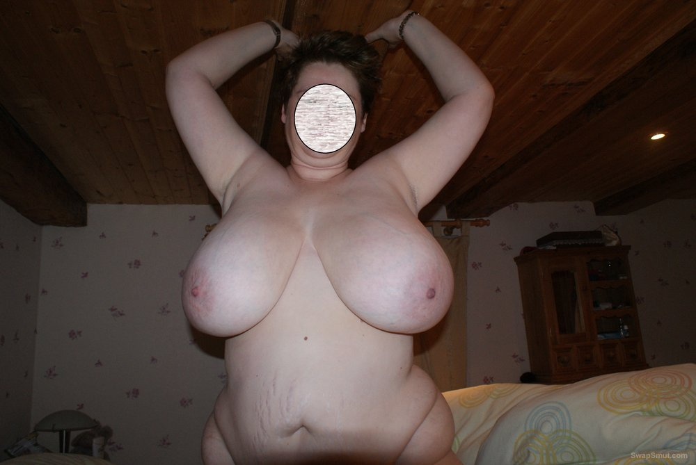 image Demure amateur wife with perfect tits inserts kitchen items