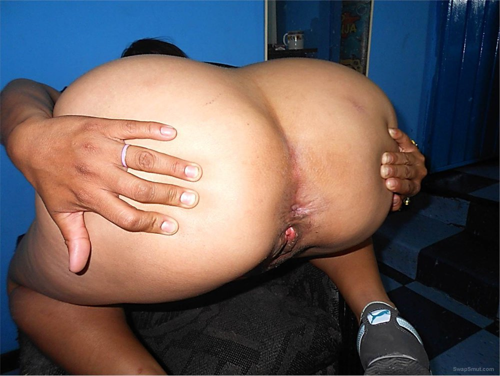 A Mexican lady of monumental and huge ass 04