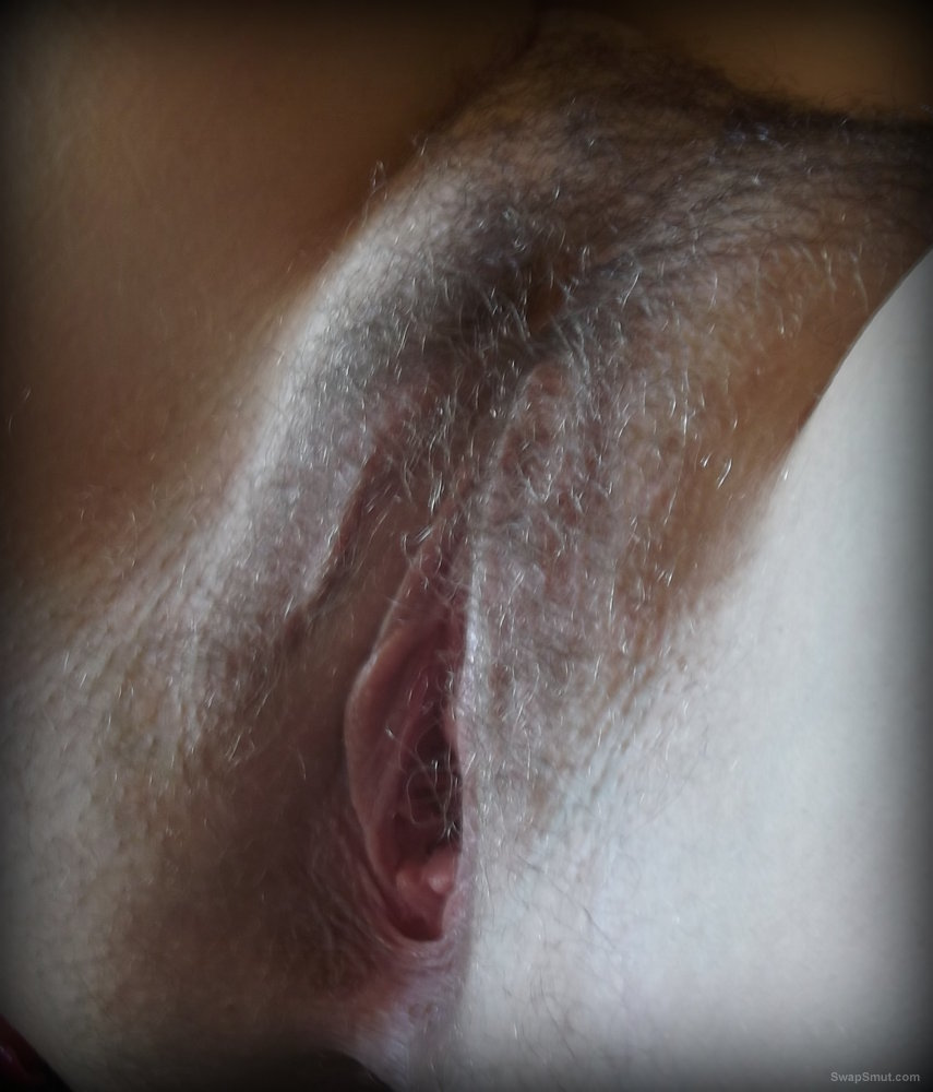 Stroking wife pussy
