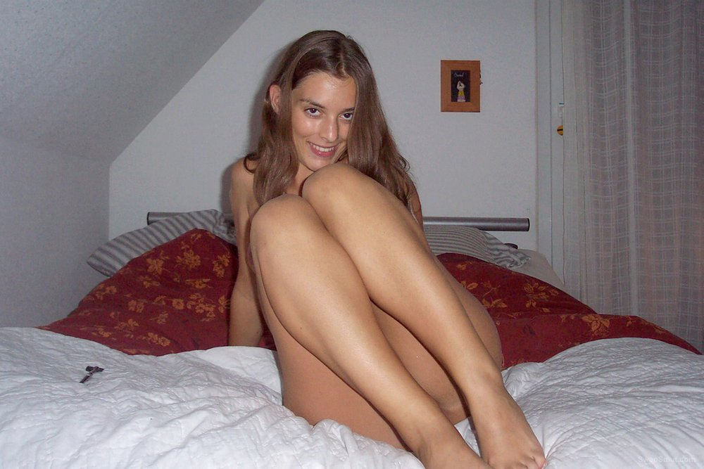 Lovely brunette shows us her nice body at home and more part III