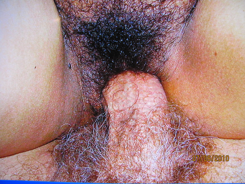 My Filipina wife has a nice looking Hairy Puki to play with
