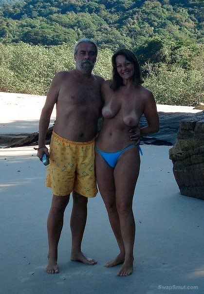 A very hot and sexy mature couple holiday snaps naked exhibitionism