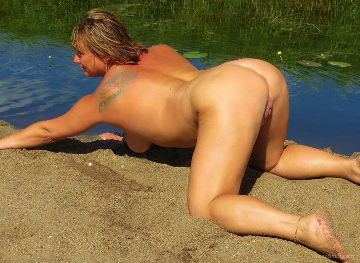Hot Moms Porn Sexy Hangs Around Outdoors on a Beautiful Sunny Day