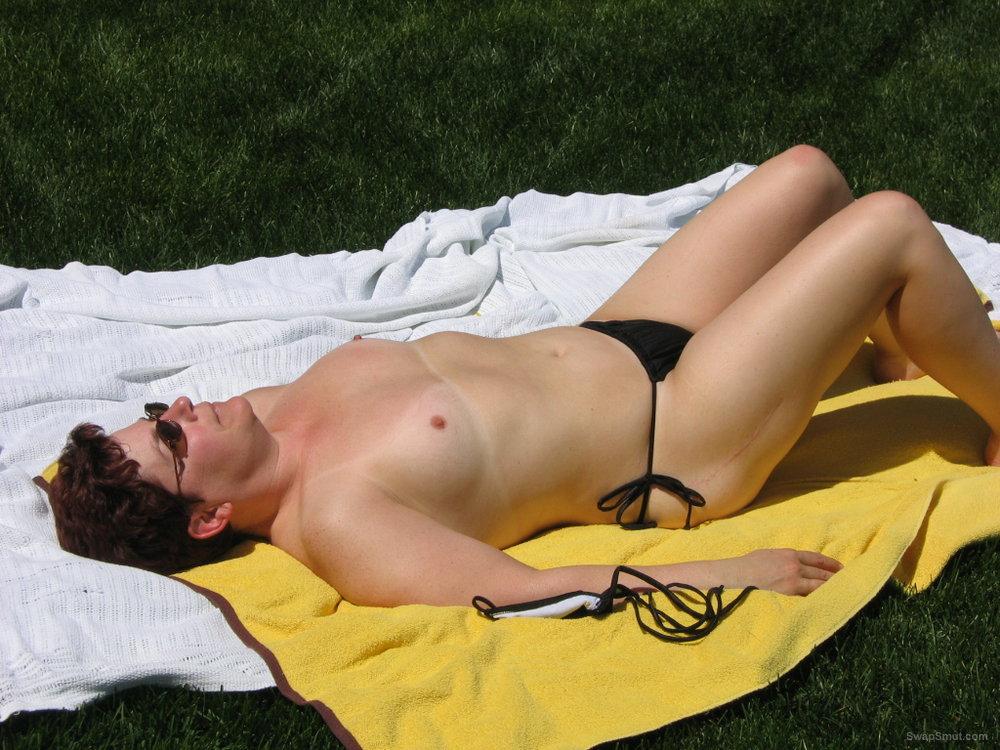 video nude girls bikini sunbathing
