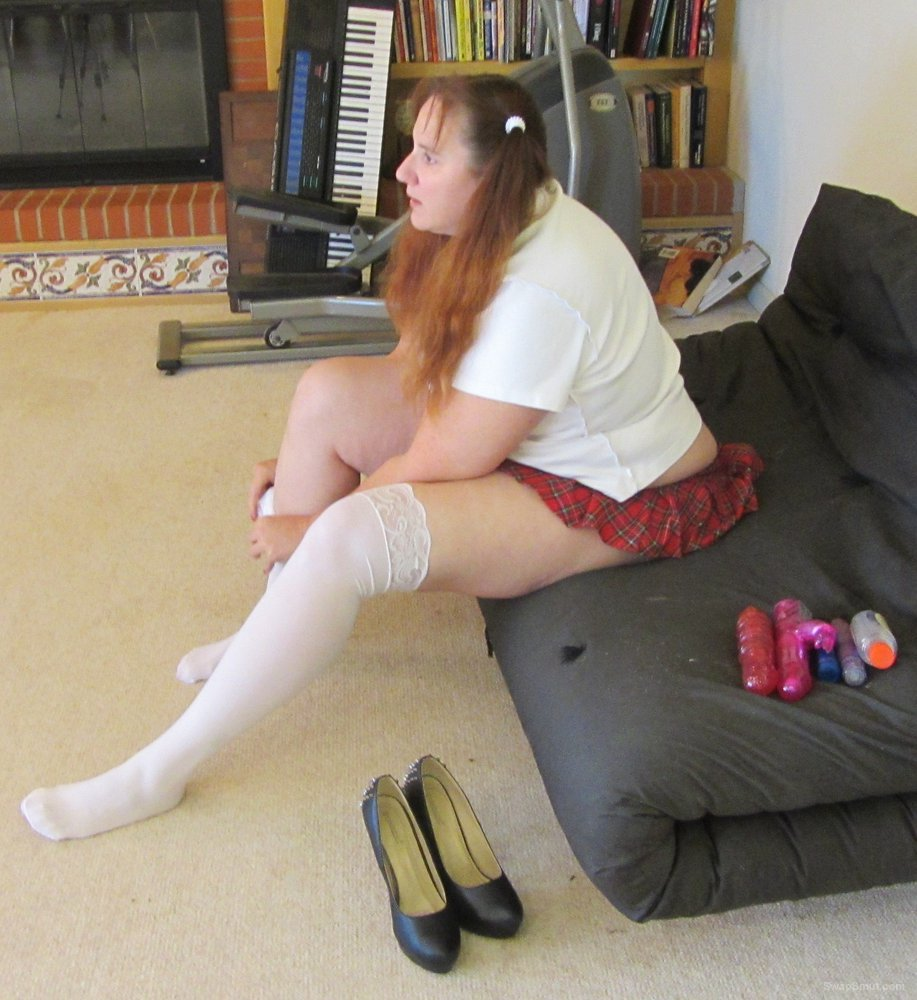 School Girl outfit and toys bbw amateur woman trying on outfit
