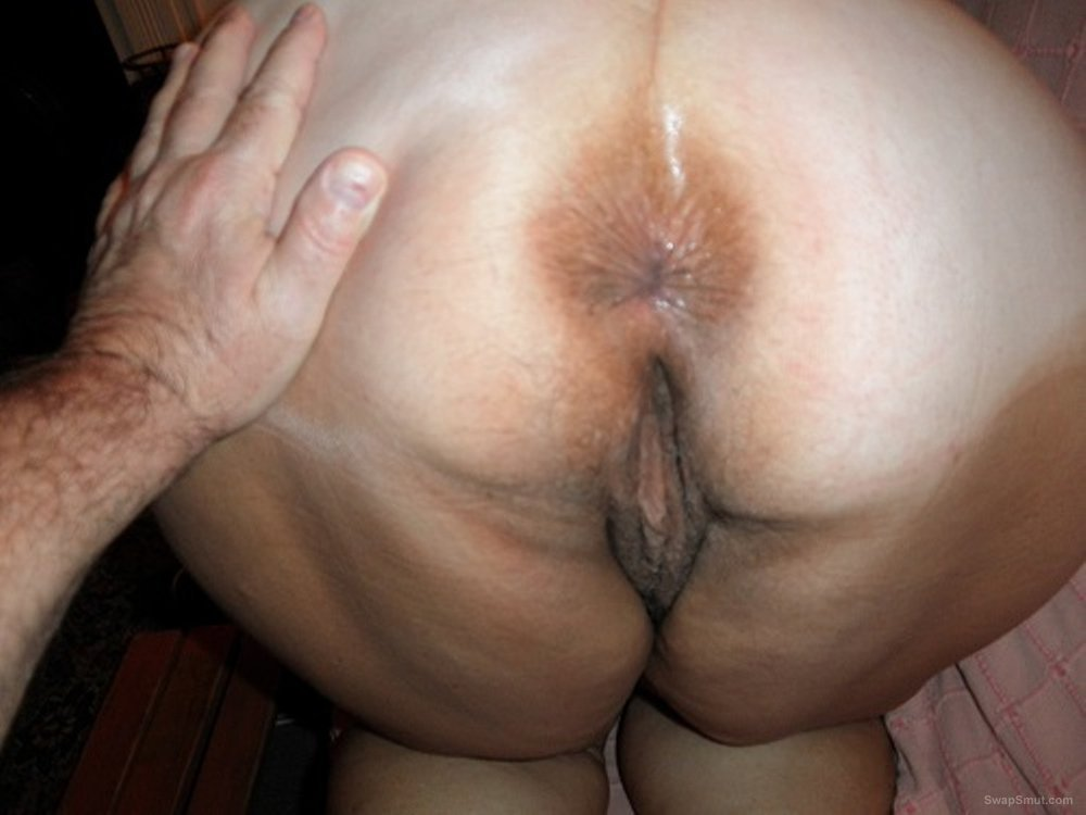 Busty slutty BBW wife showing off her hot mature body