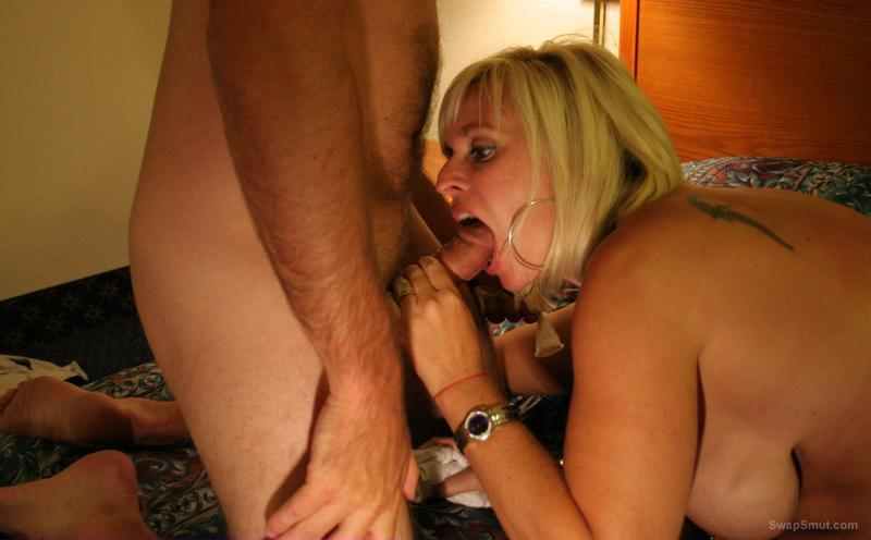 BLONDE MATURE BANGED BY BLACK AND SUCKING COCK GLORYHOLE