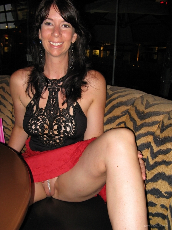 Milf exposed in public upskirt