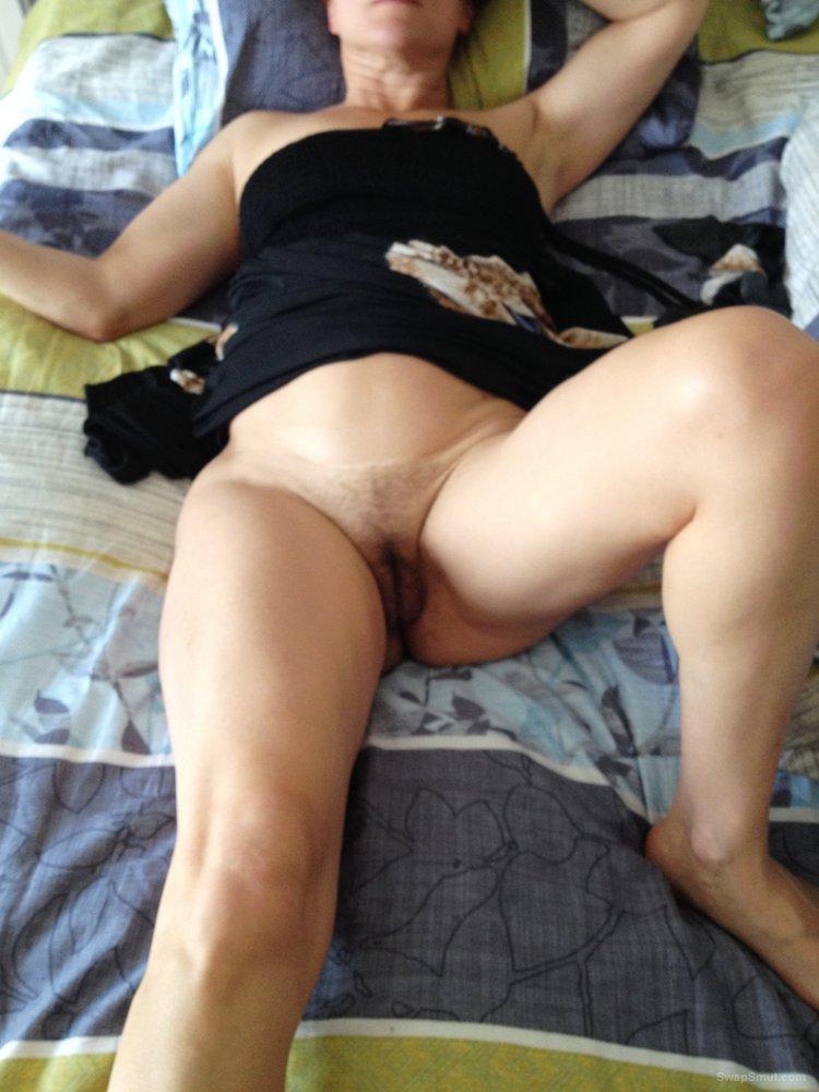 Margarita from Moscow masturbating at home
