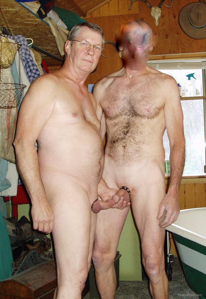Exhibitionist man slut sucking cocks and getting fucked