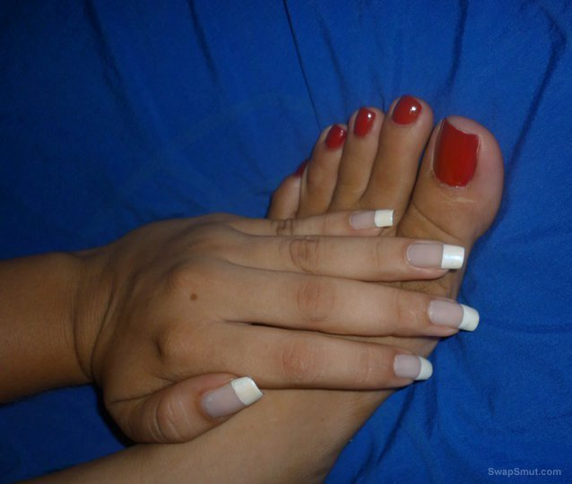 sexy toes to lick