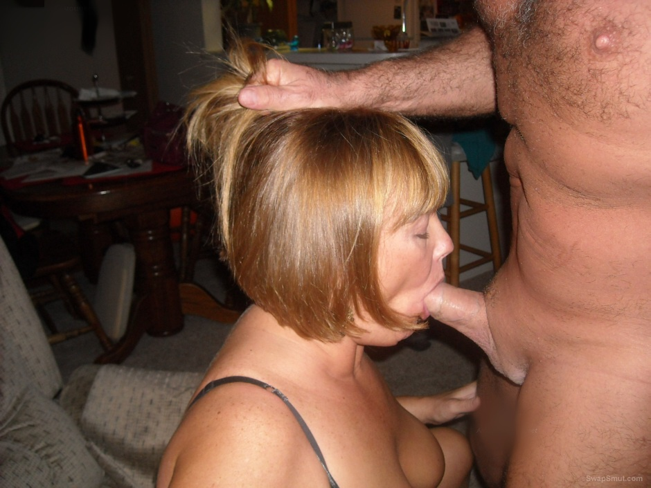 image Country milf takes facial
