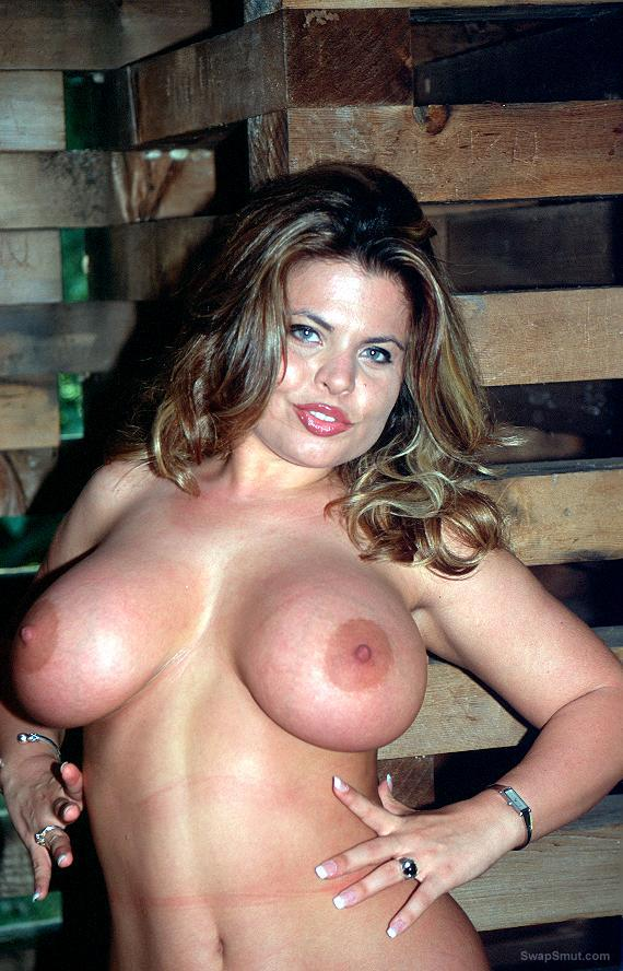 Thick young southern wife with big tits loves to show it