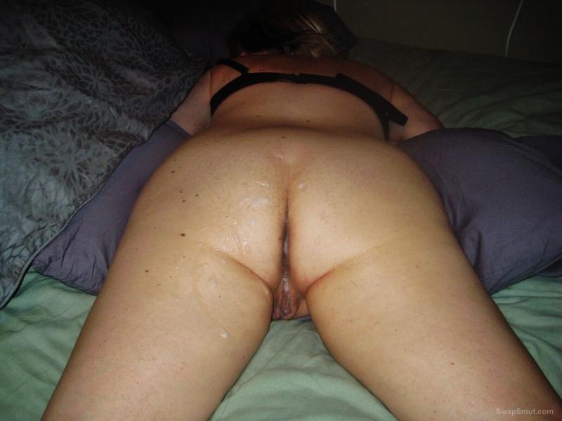 Wife needing more cum inside after bareback sex