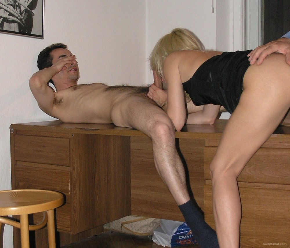 Blonde swinger milf anal while gobbling down another cock