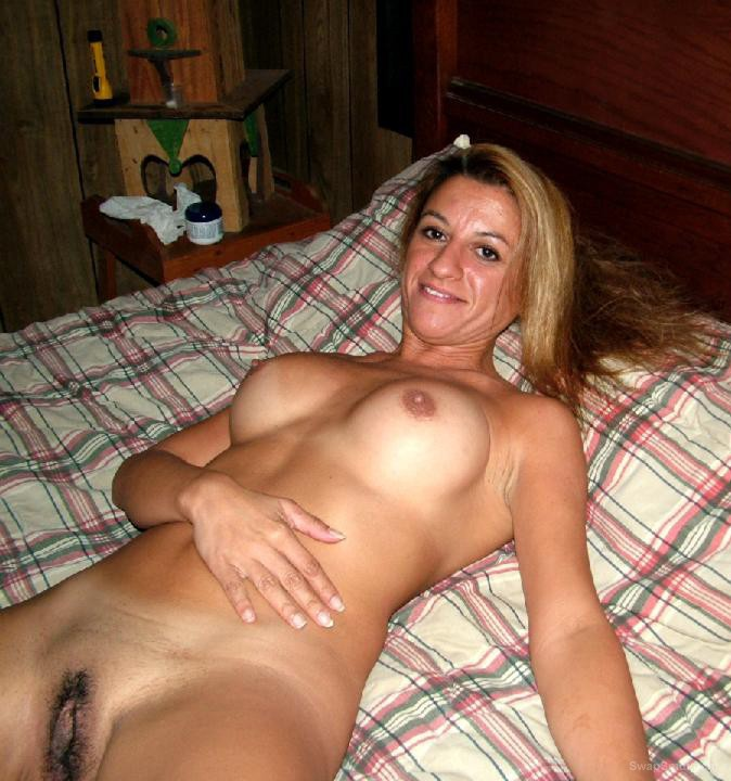 sexy milf ROSE naked on the pool table