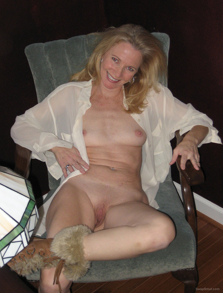 Amateur hot cougar moms