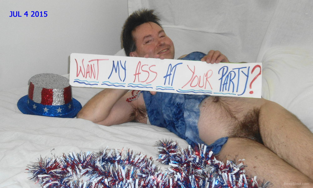 4ty of july posing hot with nasty thoughts of getting ass fucked