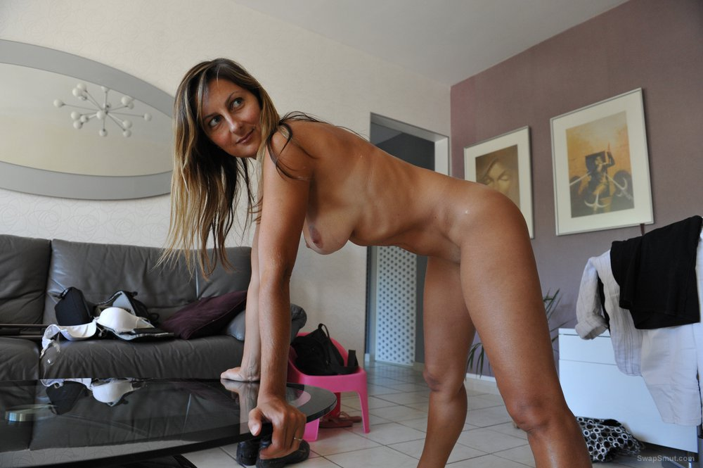 Hot milf masturbating and fucking in front of tribute pics of big tv