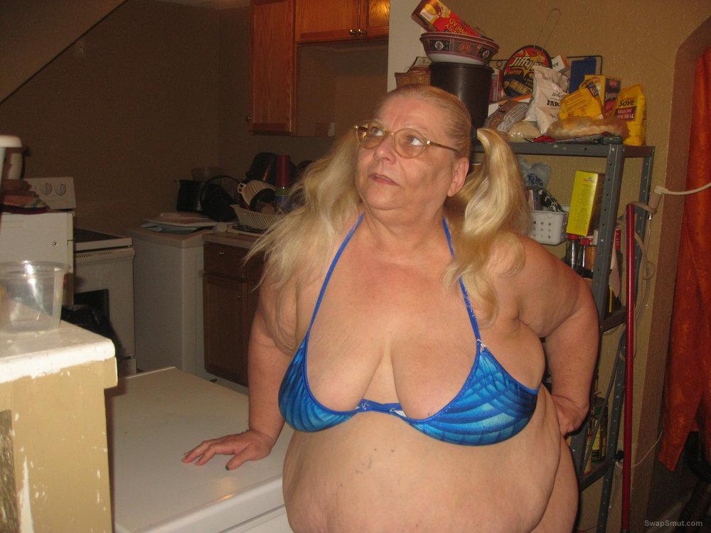 Showing off before a cam show teasing BBW wearing a bikini
