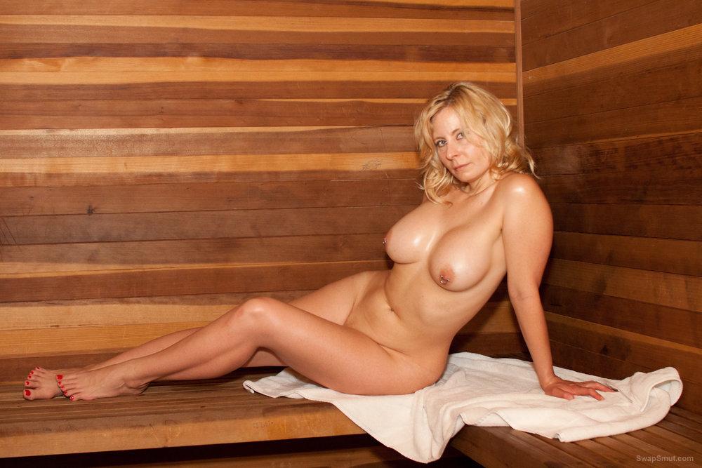 Marilyn Snow nude sexy big tit photos and masturbating