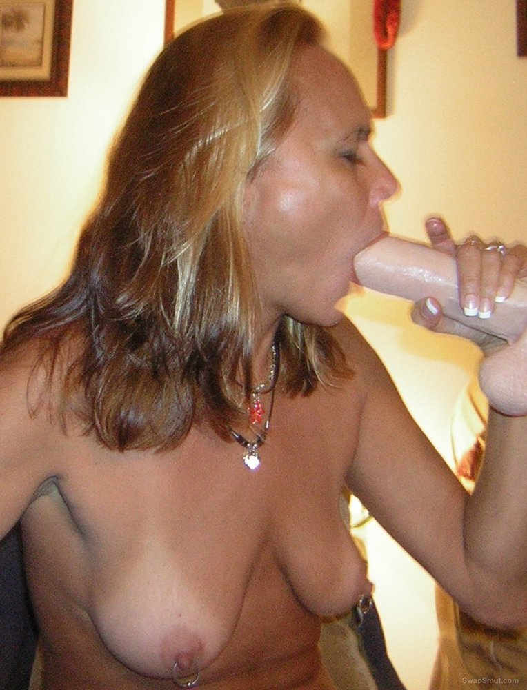 Sexy milf playing with dildo and cum