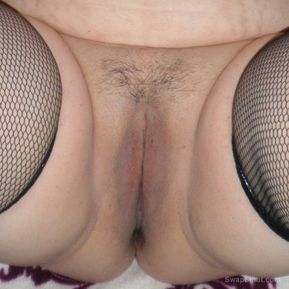 My new girlfriend Lisa's pussy for you to enjoy