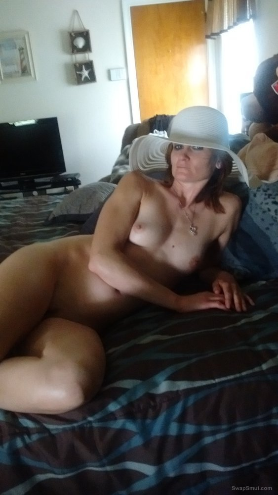 A dirty slut named Jud Lynnie looking to have some fun with you