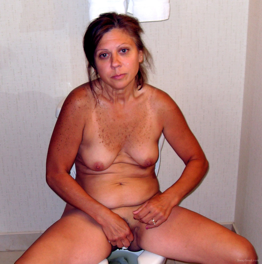 Nude House Wife Rio