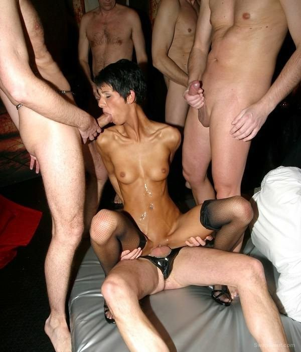 Wild swingers party at home turned wild gang bang
