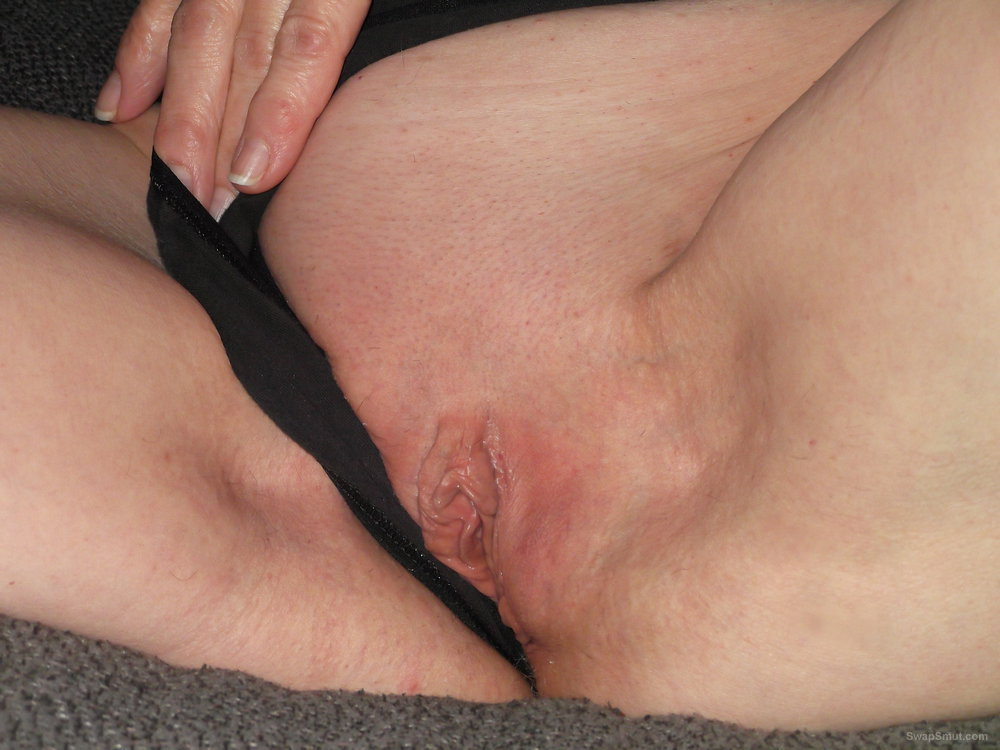 MOMMY IS YOUR WHORE AND SLUT SHAVEN VAGINA WEB EXPOSURE