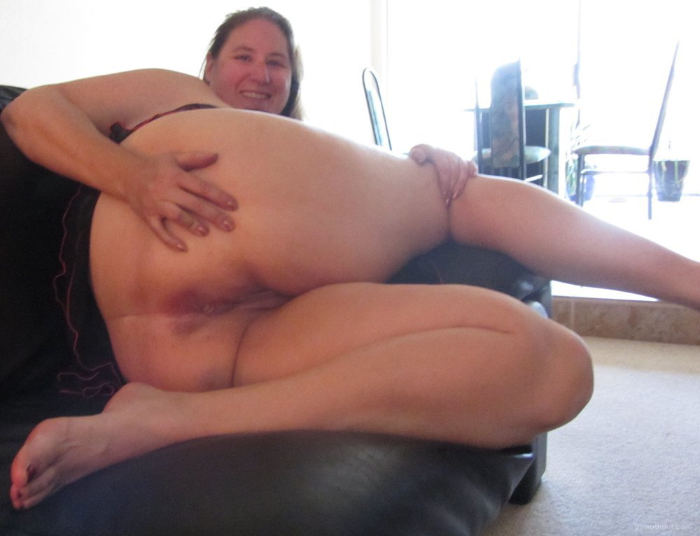 spread Mature open legs