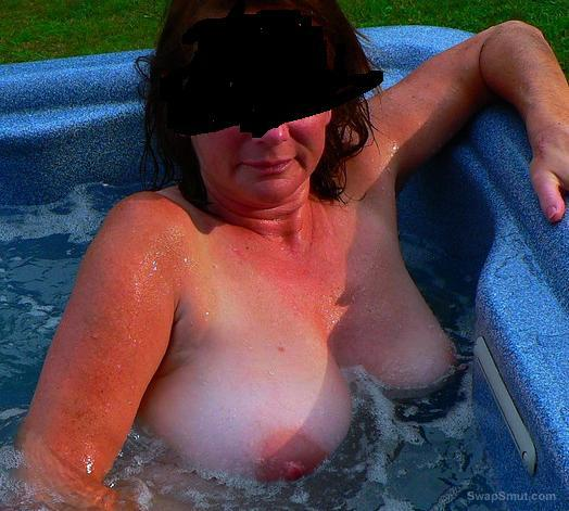 Hot tub wife naked outdoors