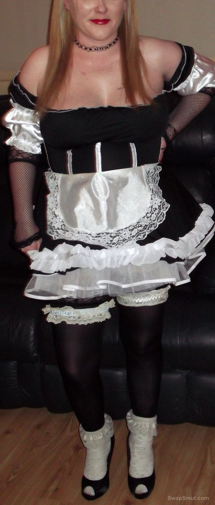 Sexy blonde amateur wife dressed up as french maid outfit