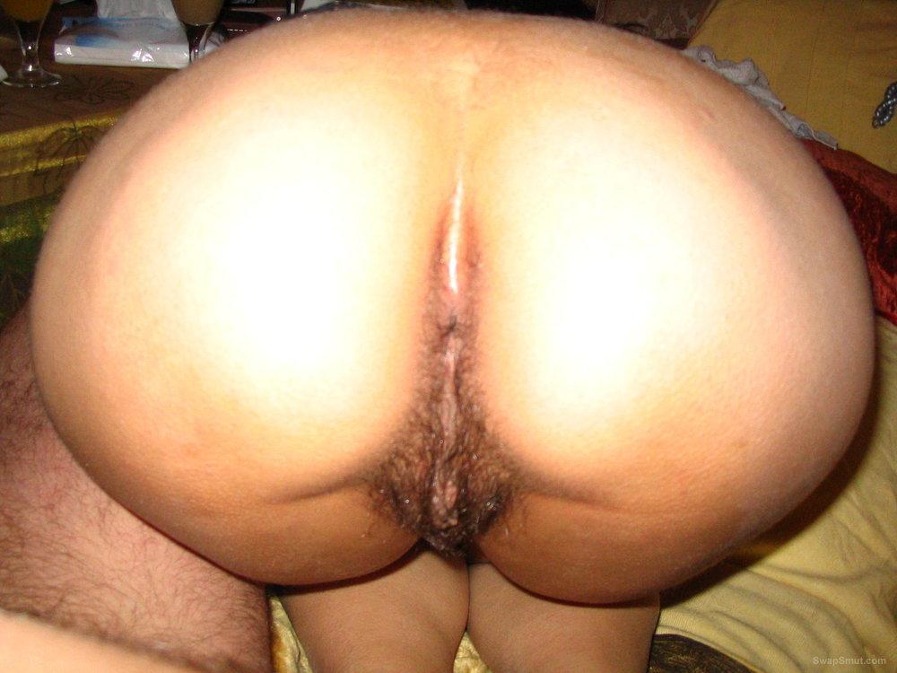 Nude female bodybuilder clit