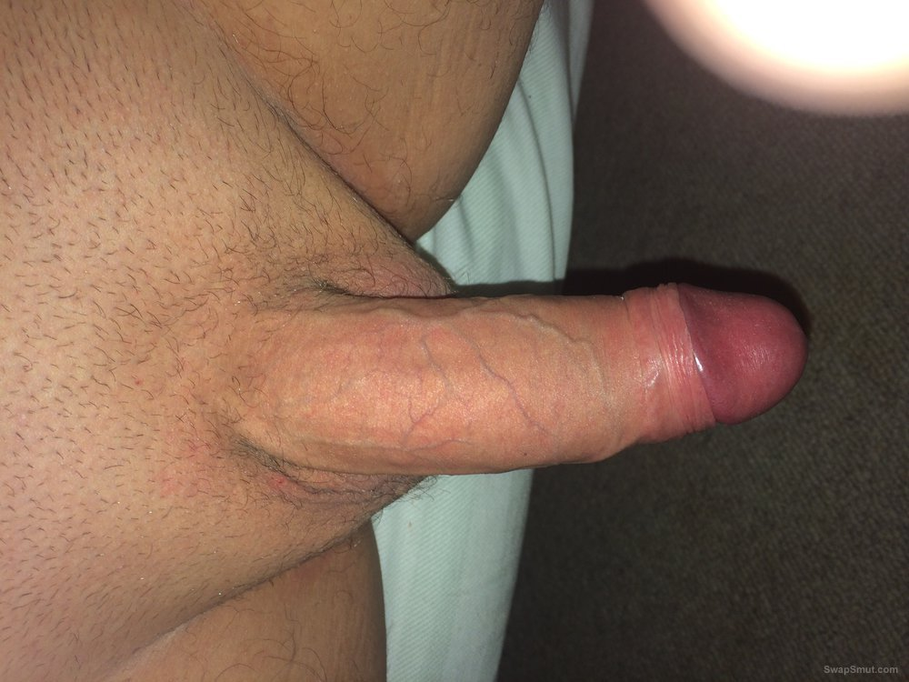 Looking for a women that can take a good length deep in her pusssy