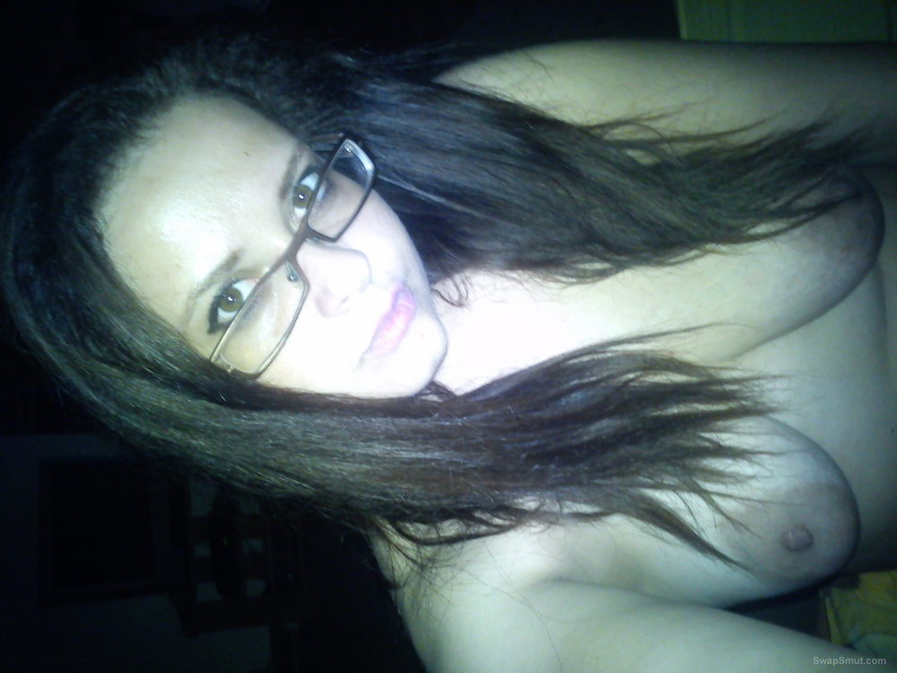 Iza Polish 30 slut masturbating and enjoying orgasms at home one