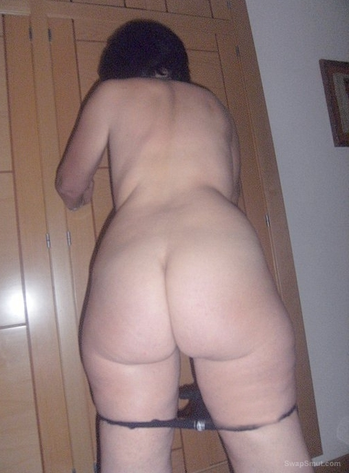 Hottie wife with a nice bottoms for spank and fuck