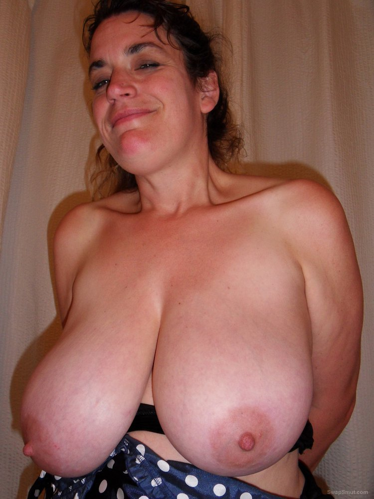 Cum mature on tits wife
