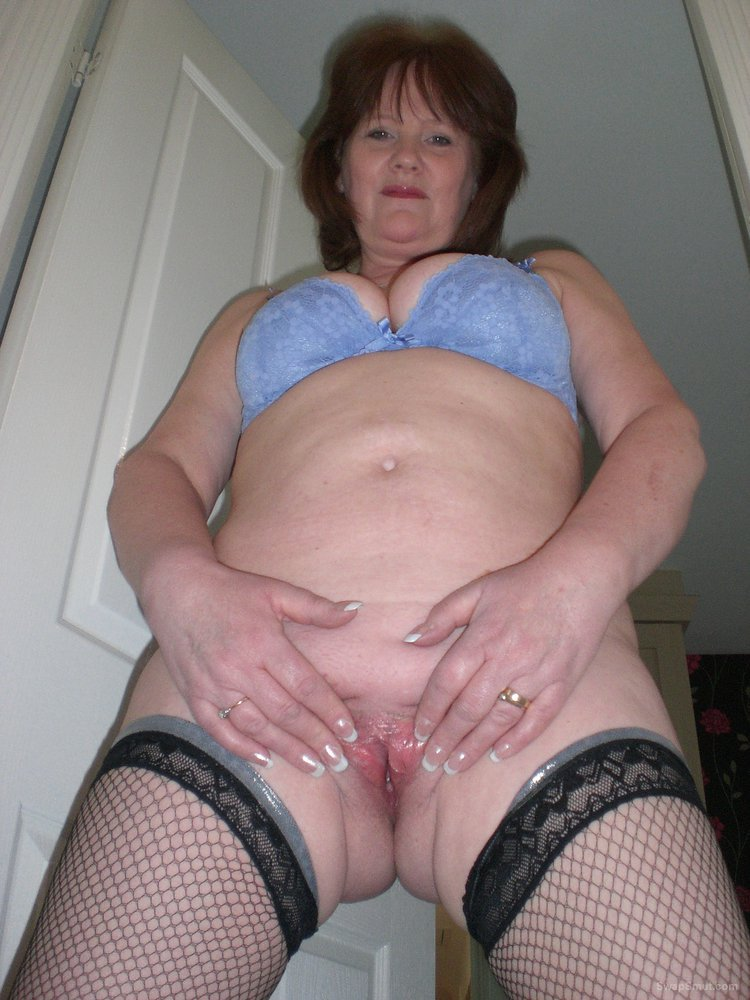 Sexy gilf in panties