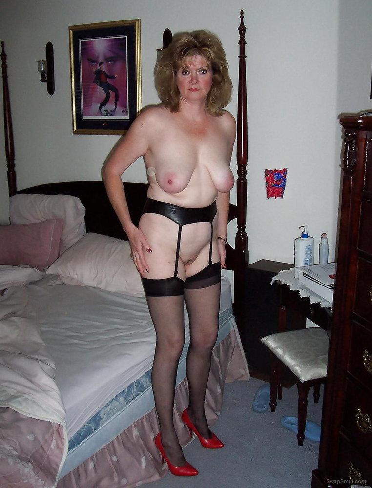 Kathie , Egg Harbor City NJ housewife