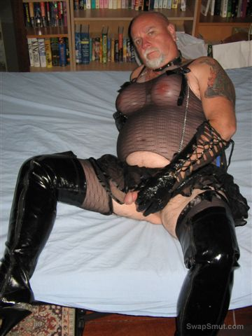 HORNY bisexual transvestite crossdresser