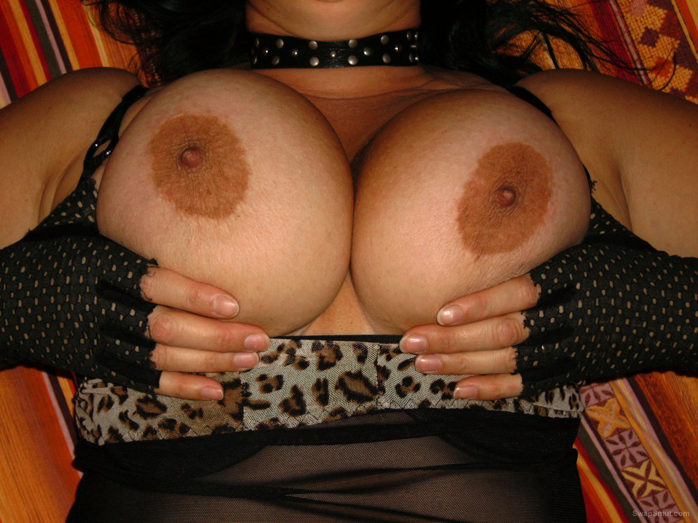 First time eposing my big tits on swap smut