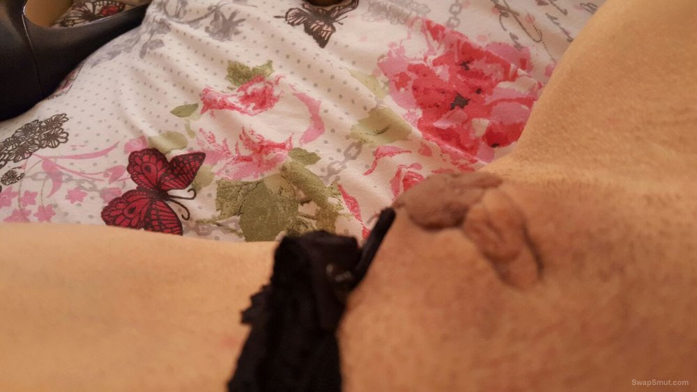 Horny mature wants to see her big creamy holes