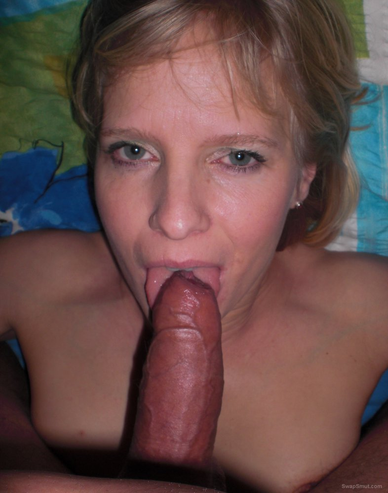Cummy blonde facial for horny mom wanting an early breakfast