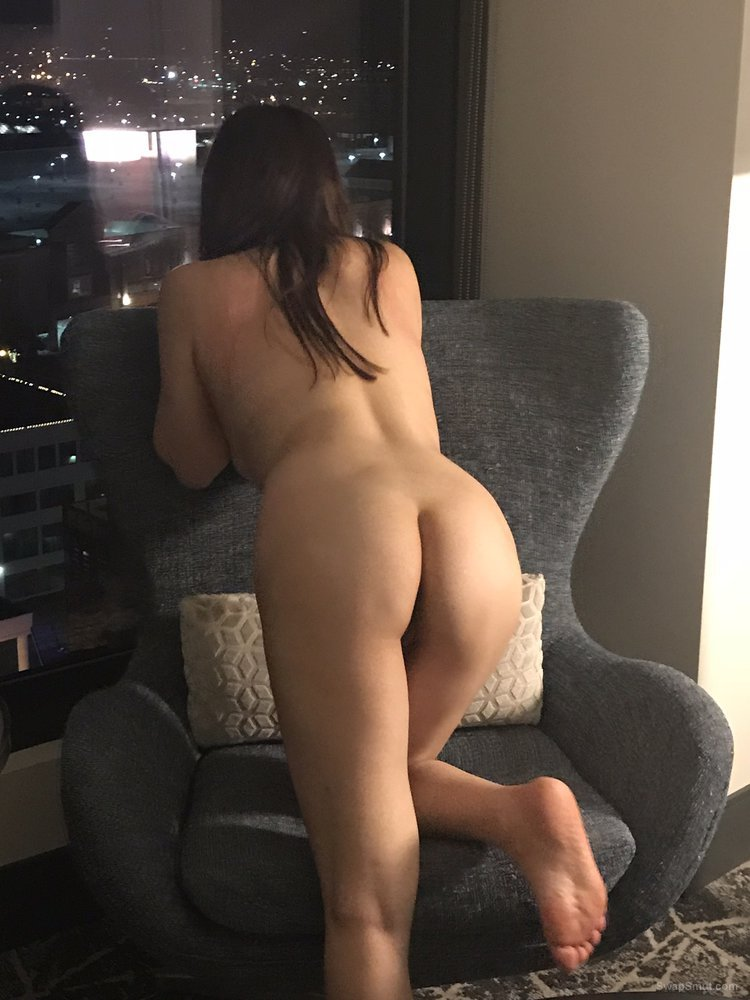 Wife's sexy naked pics and sweet pussy