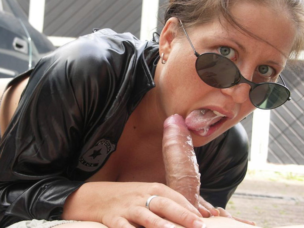 Outdoors blowjob Amateur wife
