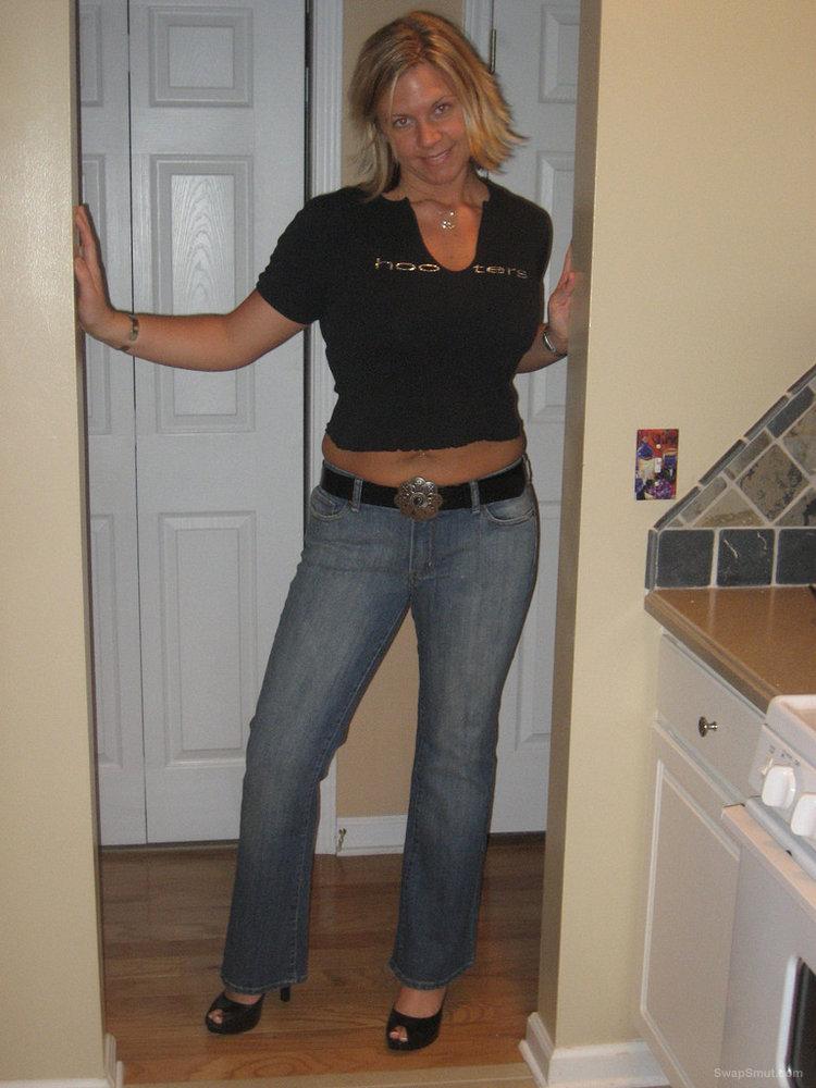 Very sexy bigtits blonde women