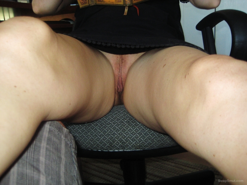 Upskirt no panties HOW WOULD YOU FUCK HER let us know