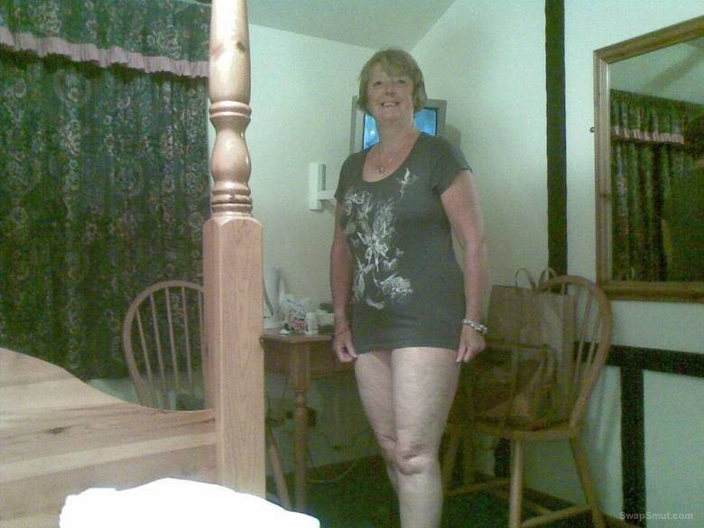 Horny Brit MILF Carol UK with big baps exposes herself for you pleasure